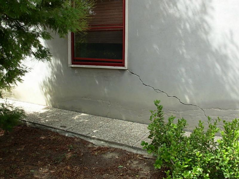 Crepe nei muri esterni ed interni pericolose novatek le for Resina per crepe nei muri